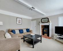 Snaptrip - Last minute cottages - Attractive Blakeney Lodge S50100 - Sitting Room