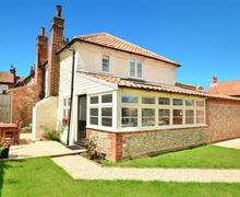 Snaptrip - Last minute cottages - Tasteful Walsingham (Little) Rental S12041 - Exterior