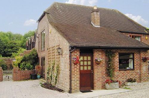 Snaptrip - Last minute cottages - Cosy Chichester Cottage S13914 -