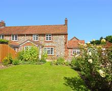Snaptrip - Last minute cottages - Beautiful Great Bircham Cottage S50099 - Exterior