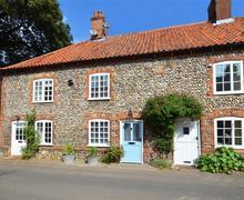 Snaptrip - Last minute cottages - Exquisite Burnham Market Rental S11697 - Exterior