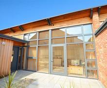 Snaptrip - Last minute cottages - Lovely Aylsham Rental S9739 - Exterior