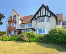 Snaptrip - Last minute cottages - Luxury Sheringham Rental S12059 - Exterior