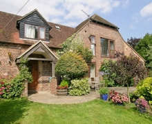 Snaptrip - Holiday cottages - Adorable Chichester Cottage S13933 -