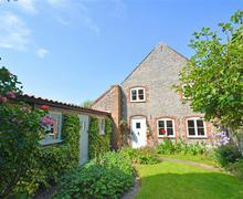 Snaptrip - Last minute cottages - Superb Weybourne Rental S12054 - Exterior