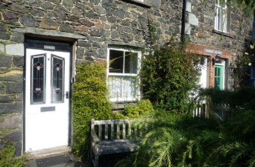 Snaptrip - Last minute cottages - Gorgeous Keswick Cottage S324 - Lydia's River Cottage, External, Lakes Cottage Holidays