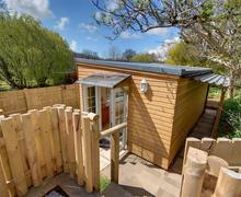 Snaptrip - Last minute cottages - Stunning Ilfracombe Rental S12193 - External - View 2