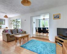 Snaptrip - Last minute cottages - Stunning Hayle Cottage S75450 - Lounge