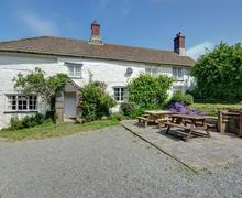 Snaptrip - Last minute cottages - Quaint Morwenstow Cottage S42810 - External - View 1