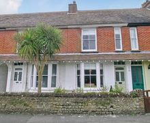 Snaptrip - Last minute cottages - Wonderful Selsey Cottage S14022 -