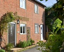 Snaptrip - Last minute cottages - Gorgeous Uckfield Cottage S14045 -
