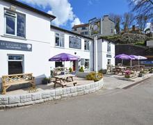 Snaptrip - Last minute cottages - Superb Looe Apartment S45666 - Exterior