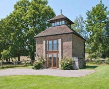 Snaptrip - Last minute cottages - Attractive Uckfield Cottage S14049 -