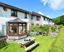 Snaptrip - Last minute cottages - Tasteful Harlyn Bay Cottage S42702 - Garden
