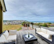 Snaptrip - Last minute cottages - Captivating Perranporth Cottage S59281 - Deck and view