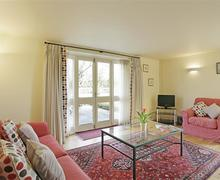 Snaptrip - Last minute cottages - Splendid Yaxley Cottage S45162 - Living Room - View 1