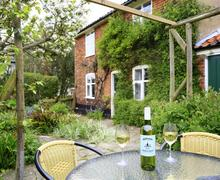 Snaptrip - Last minute cottages - Luxury Blythburgh Rental S9945 - Courtayrd - View 2