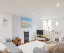 Snaptrip - Last minute cottages - Splendid Southwold Cottage S57767 - Sitting Room/Dining Area - View 1