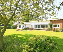 Snaptrip - Last minute cottages - Excellent Walberswick Rental S10255 - Exterior - View 1