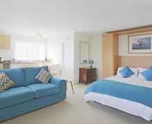 Snaptrip - Last minute cottages - Inviting Clare Lodge S46239 - Open Plan Room - View 1