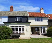 Snaptrip - Last minute cottages - Exquisite Thorpeness Cottage S70842 - Exterior - View 1