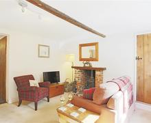 Snaptrip - Last minute cottages - Attractive Lavenham Cottage S69881 - Sitting Room/Dining Area - View 1