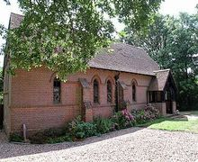 Snaptrip - Last minute cottages - Adorable Fareham Cottage S14093 -