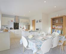 Snaptrip - Last minute cottages - Beautiful Snape Cottage S73334 - Kitchen/Dining Area - View 1