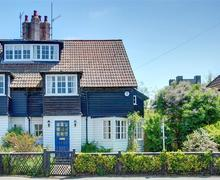 Snaptrip - Last minute cottages - Exquisite Thorpeness Rental S10145 - Front exterior