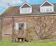 Snaptrip - Last minute cottages - Wonderful Southampton Cottage S14142 -
