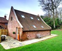 Snaptrip - Last minute cottages - Attractive Hawkhurst Rental S10409 - CB620 Exterior