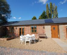 Snaptrip - Last minute cottages - Attractive Woodchurch Rental S10568 - TN440ext
