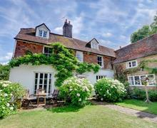 Snaptrip - Last minute cottages - Delightful Robertsbridge Rental S10348 - SX905 Exterior