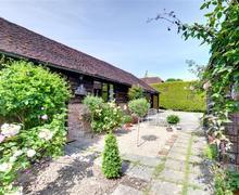 Snaptrip - Last minute cottages - Delightful Biddenden Lodge S37055 - CB628 - Exterior