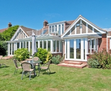 Snaptrip - Last minute cottages - Tasteful Bembridge Cottage S14171 -