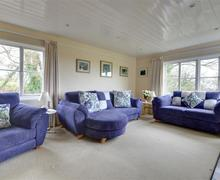 Snaptrip - Last minute cottages - Lovely Tenterden Cottage S78546 - TN611 - Sitting Room - view 3