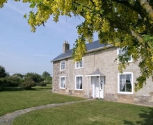 Snaptrip - Last minute cottages - Beautiful Brighstone Cottage S14194 -