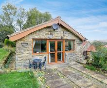 Snaptrip - Last minute cottages - Inviting Ainthorpe Nr Danby Rental S10887 - Exterior - View 1