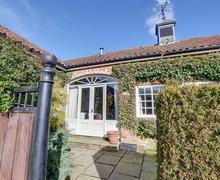 Snaptrip - Last minute cottages - Exquisite Cropton Cottage S70030 - Exterior - View 2