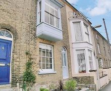 Snaptrip - Last minute cottages - Gorgeous Cowes Cottage S14212 -