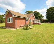 Snaptrip - Last minute cottages - Lovely Hinderwell, Nr. Runswick Bay Rental S12843 - Exterior View 1