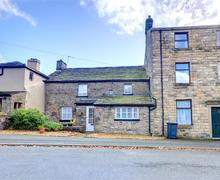 Snaptrip - Last minute cottages - Gorgeous Higham Cottage S44265 - Exterior View