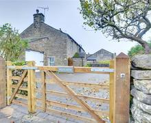Snaptrip - Last minute cottages - Quaint Wharfedale Rental S12831 - DS212 - Exterior - View 1