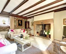 Snaptrip - Last minute cottages - Wonderful Corbridge Cottage S43946 - Living Room - View 1