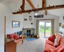Snaptrip - Last minute cottages - Quaint Worston Cottage S44270 - Sitting Room