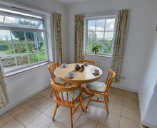 Snaptrip - Last minute cottages - Adorable Criccieth Rental S11307 - WAG255 - Dining Area
