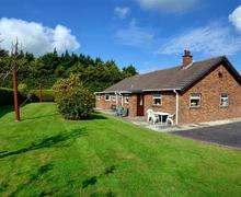 Snaptrip - Last minute cottages - Tasteful Lampeter Rental S11353 - WAS312 - Exterior - View 2