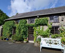 Snaptrip - Last minute cottages - Captivating Llandovery Cottage S69920 - WAW317 - Exterior - View 2