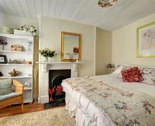 Snaptrip - Last minute cottages - Cosy Machynlleth Cottage S44218 - WAD336 - Super King Size or Twin Bedroom