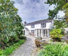 Snaptrip - Last minute cottages - Splendid Aberdyfi Cottage S46135 - FL035 - Exterior VIew 1